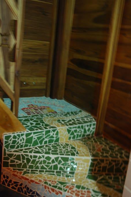Escalera de subida desde la cocina