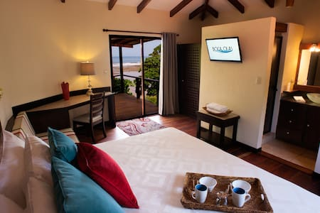 Water front Jr. Suite w/ oceanviews - Szoba reggelivel