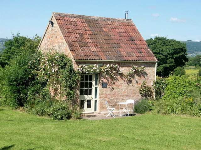 Ian's Cottage a peaceful country cottage for two. - Wedmore - Huis