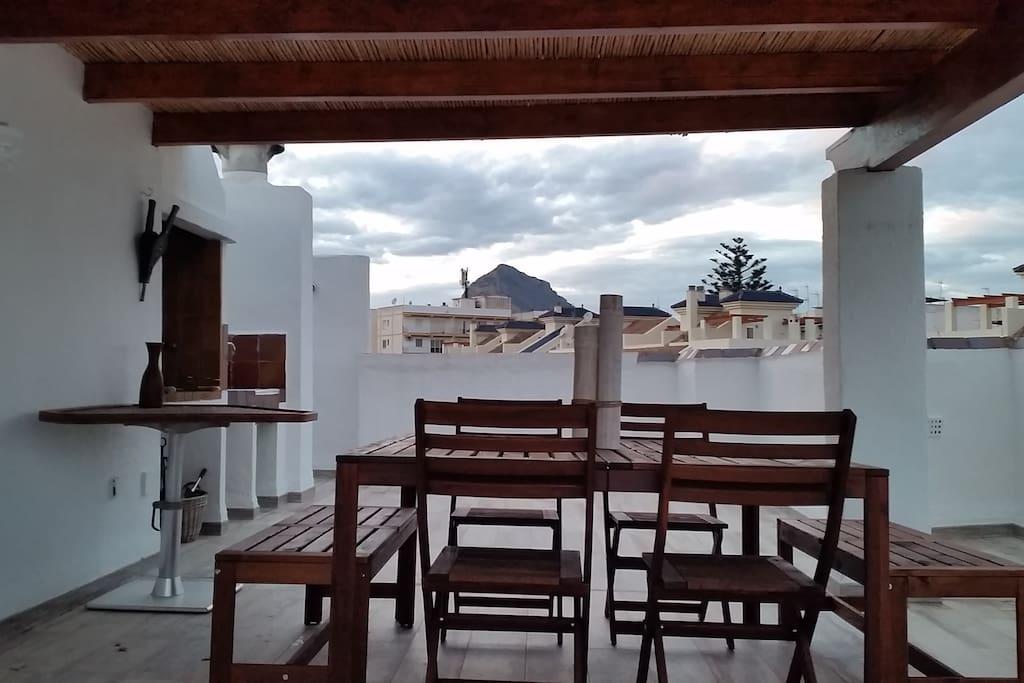 Terraza vistas al Montgó
