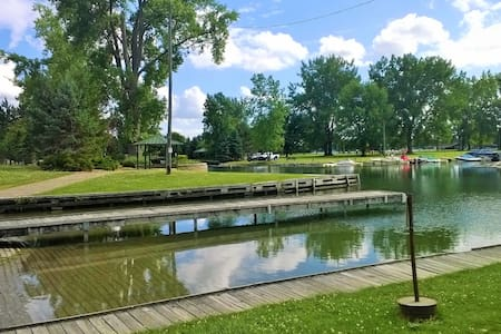 Owasco Lake Fall Fun - Auburn - House