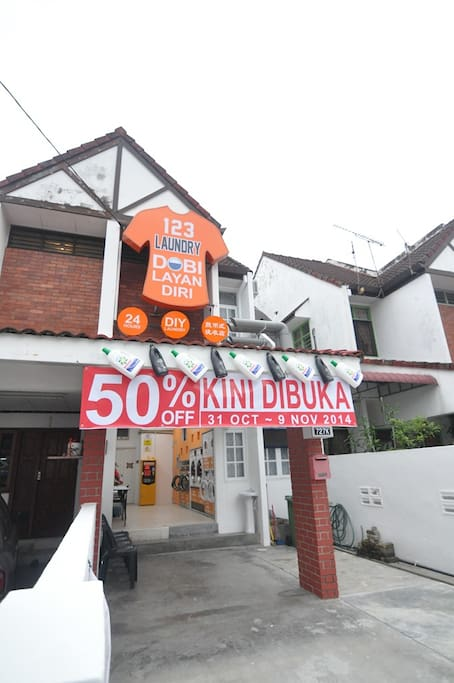 The frontage and ground floor is coin laundry (6am to 12am)