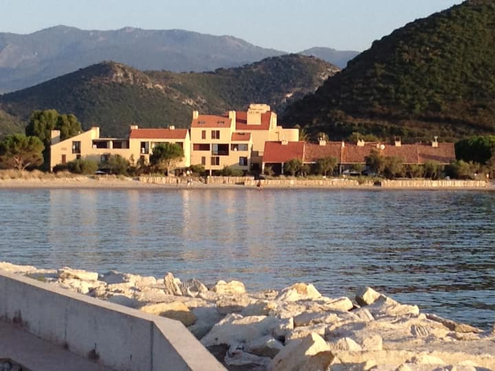 Apartment on the beach in Corsica ST florent