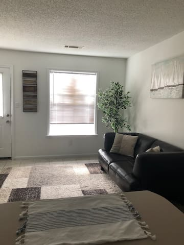 Apartment available for Master's week