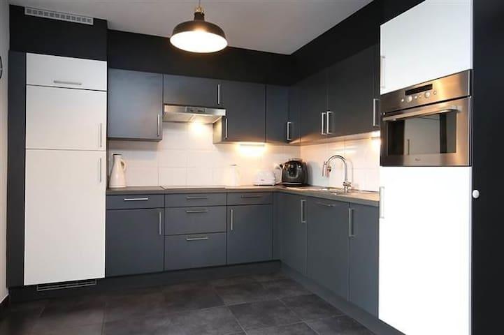 Appartement met sauna,privé kamer,6km van E313