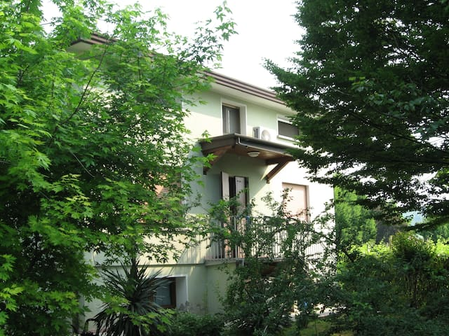 COSY HOUSE WITH GARDEN AND WIFI - Farra di Soligo - Çatı Katı