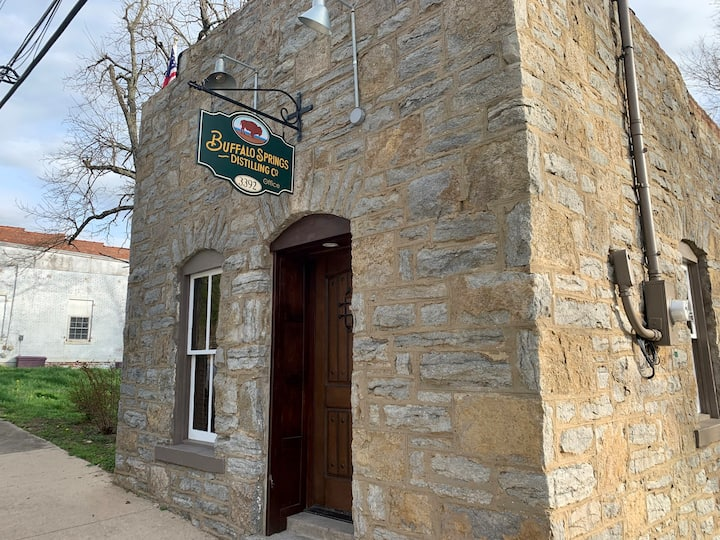 Buffalo Springs Distilling Company