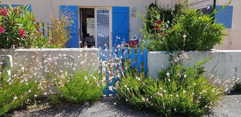 """Maison """"Jasmin"""" n°3 calme proche belle plage"""