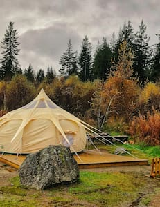 Stargazer Belle Tent in the Forest with Hot Tub
