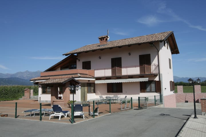 B&B  VILLA TERESA BARGE (CUNEO) - BARGE - Bed & Breakfast