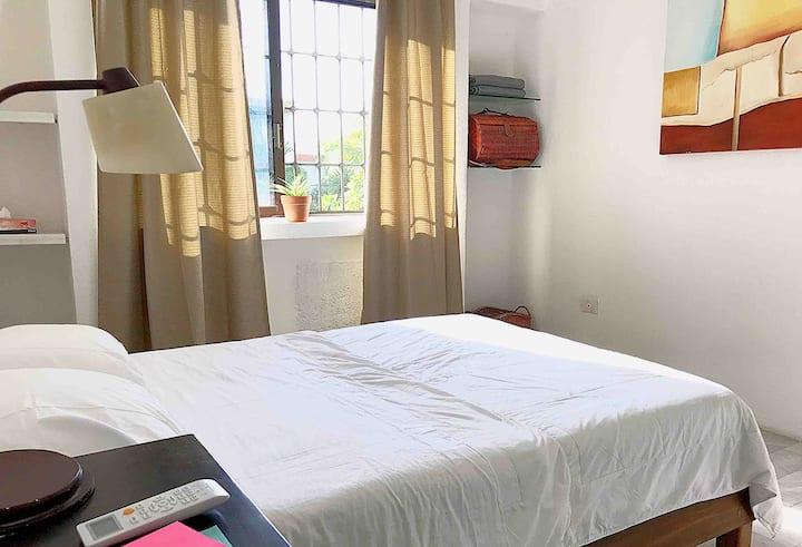 Excelente ubicación, cómoda habitación en Cancún