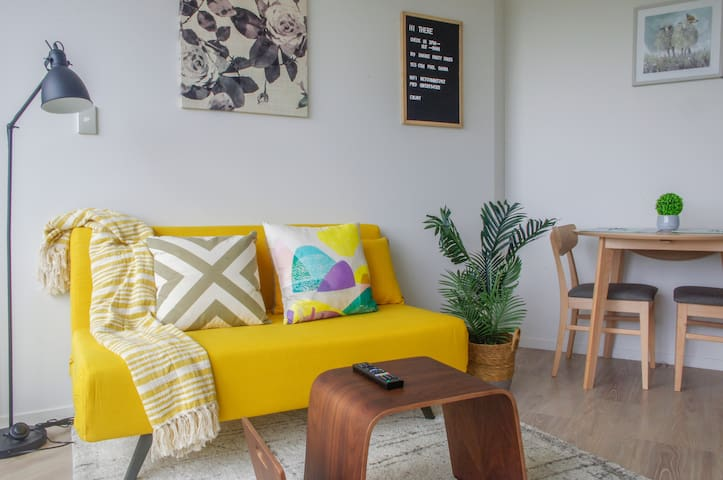 Brand New ! Inner City Natural Charming  Apartment