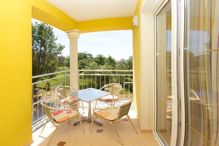 Beautyful RED appartament with balcony & 2 Bedroom - Poreč - Apartment