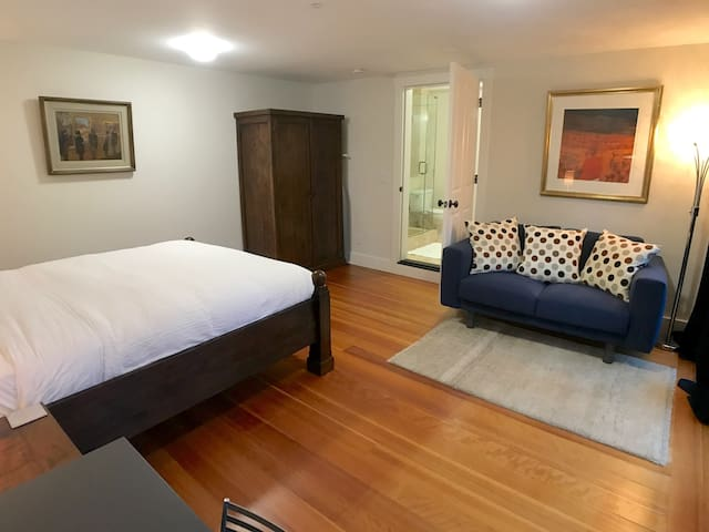★☆ Patio | 20min to SF | Private Entrance + Bath