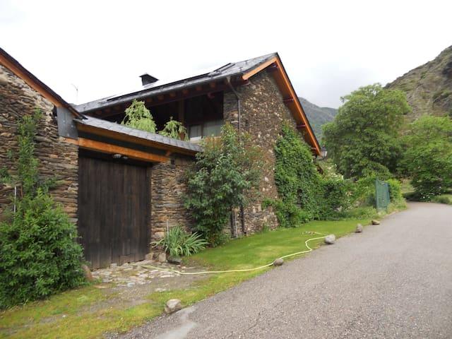 """""""Borda Miqueu"""", Borén, Pallars Sobirà, Lleida - Borén - House"""