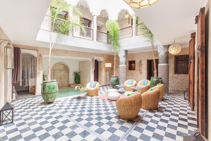 Riad chic privatisé piscine&WIFI - Marrakesh - Townhouse