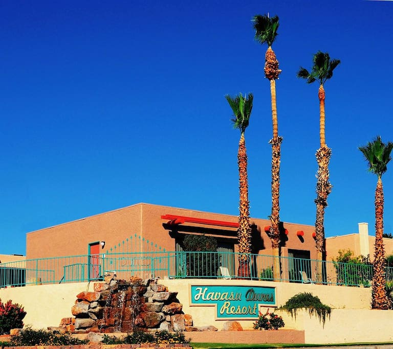 Havasu Dunes resort, located across the street from Lake Havasu.