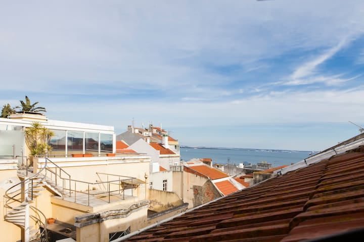 Duplex close to Alfama - Lissabon - Appartement