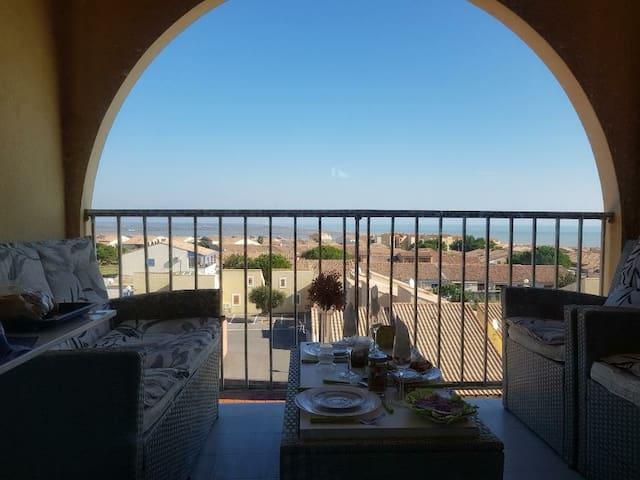 Appart, terrasse Vue mer, garrigue, accès piscine