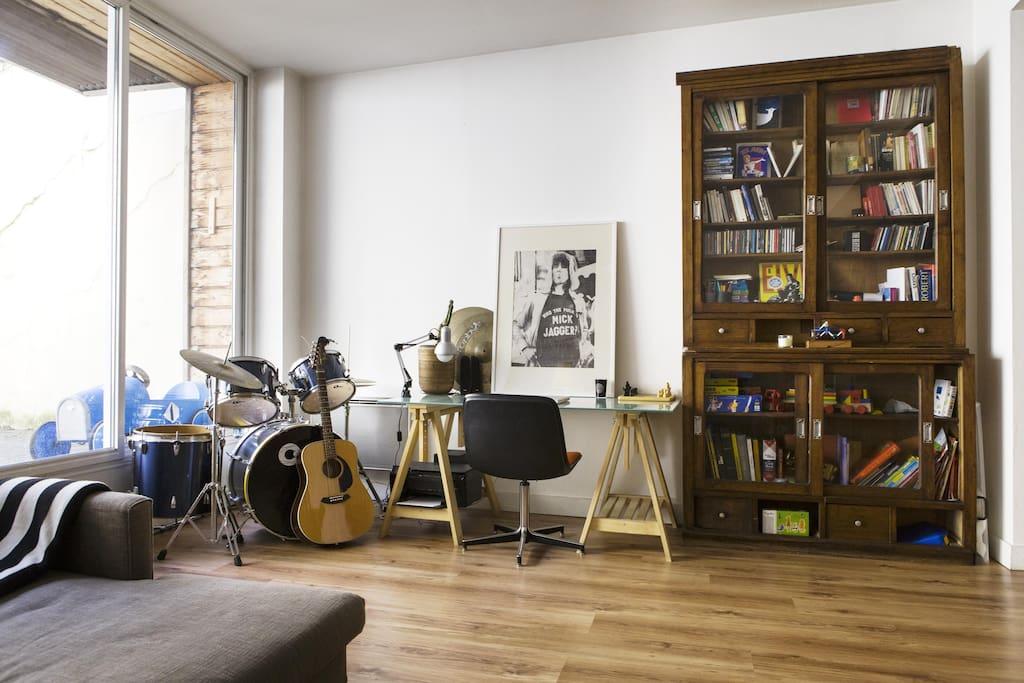 Terrasse coeur st michel 10min gare appartements louer for Location bordeaux terrasse