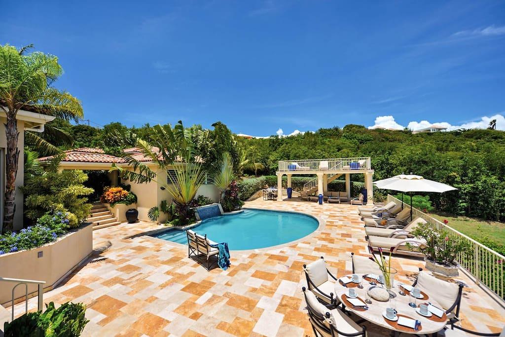 Maison de reve 110588 villas for rent in hillside st for Villa de reve
