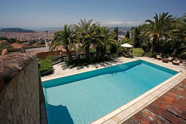 Nice villa, large pool, garden, cars spaces. - Nice - Villa