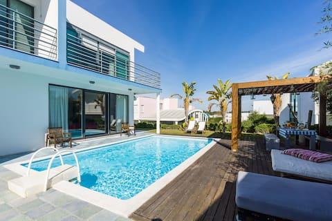 Villa Pool & Golf Resort