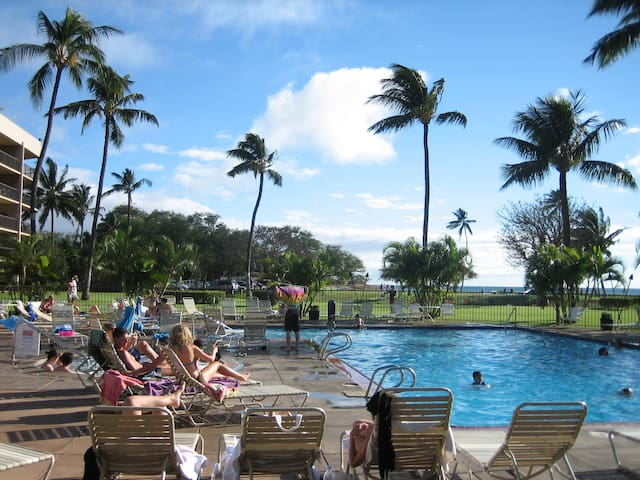 Pool time at Maui Sunset on the ocean front.