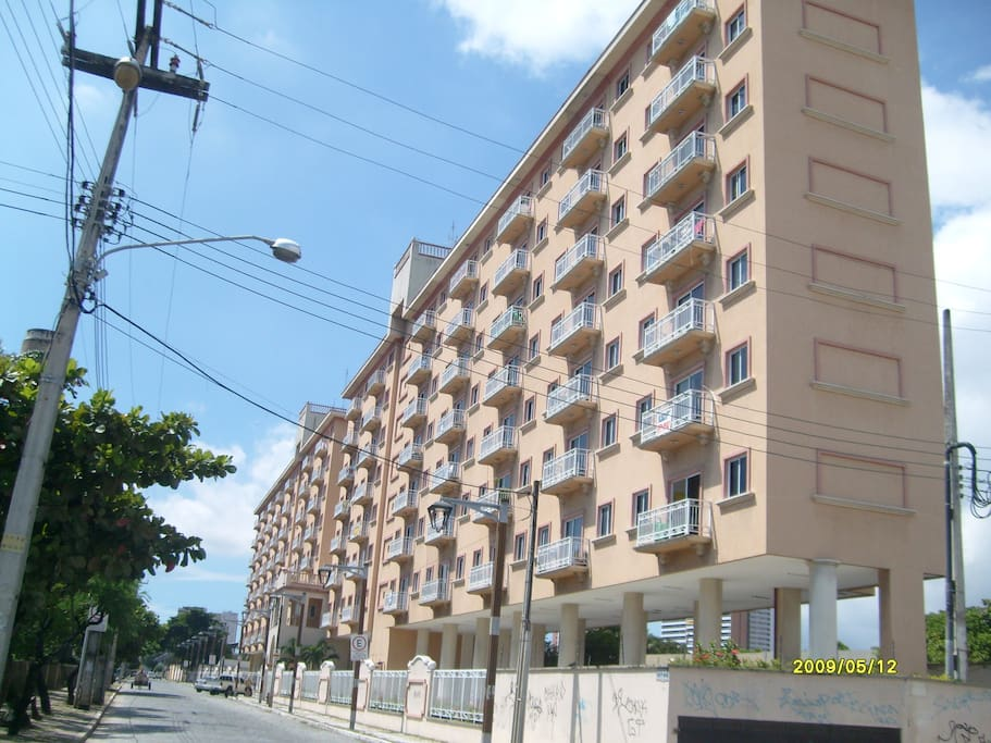 Edificio visto da rua