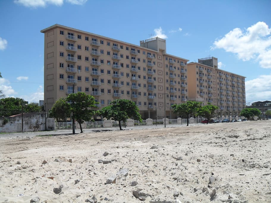 Edificio visto da praia