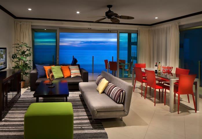 Ocean View 3 Bedroom Luxury Condo 701S