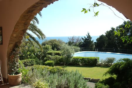 La Piccionaia-villa with sea view and private pool - Ansedonia