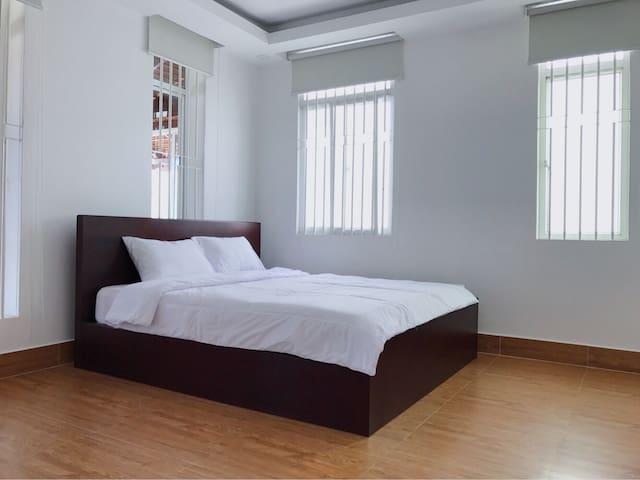 City Center-1BR Apartment 2min Toul Sleng Musuem