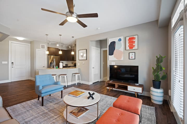 Luxe 2BD/2BA in Frisco near shopping, restaurants