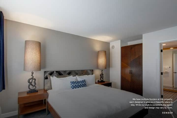 Sonder | Queen Room at V Palm Springs | Discounted Rates