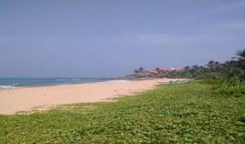 A Warm Friendly Stay by the Beach