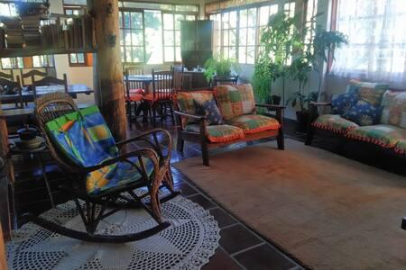 Casa no centro de Teresópolis I: até 4 pessoas