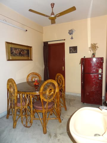 Centrally located, peaceful, clean flat with a view - Kolkata - Leilighet