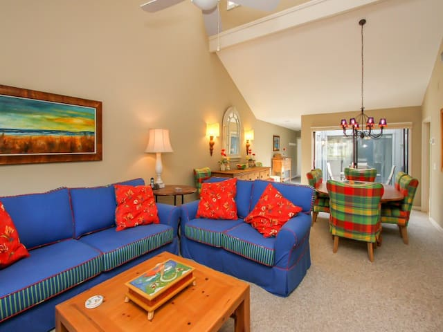 Living Area at 7 Turtle Lane Club in Sea Pines