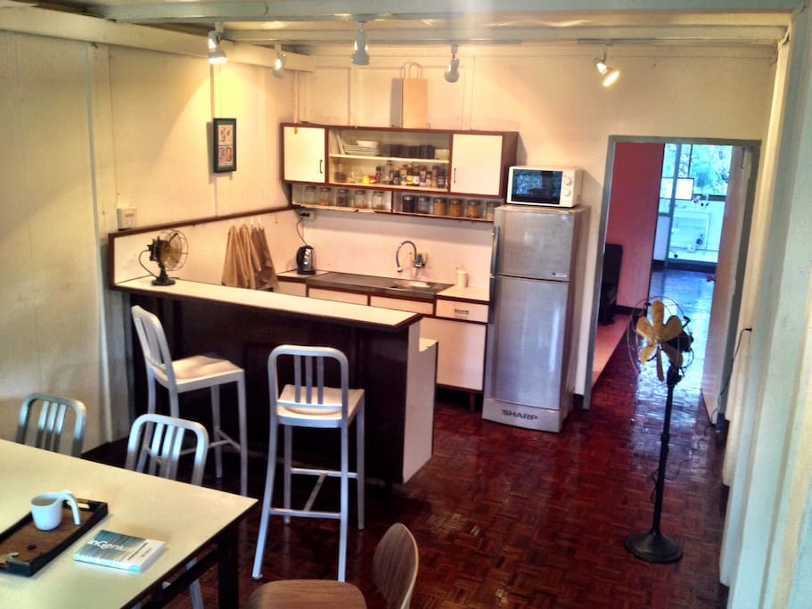 With a restaurant on first floor and 10-12 more very close, you hardly use the kitchen.