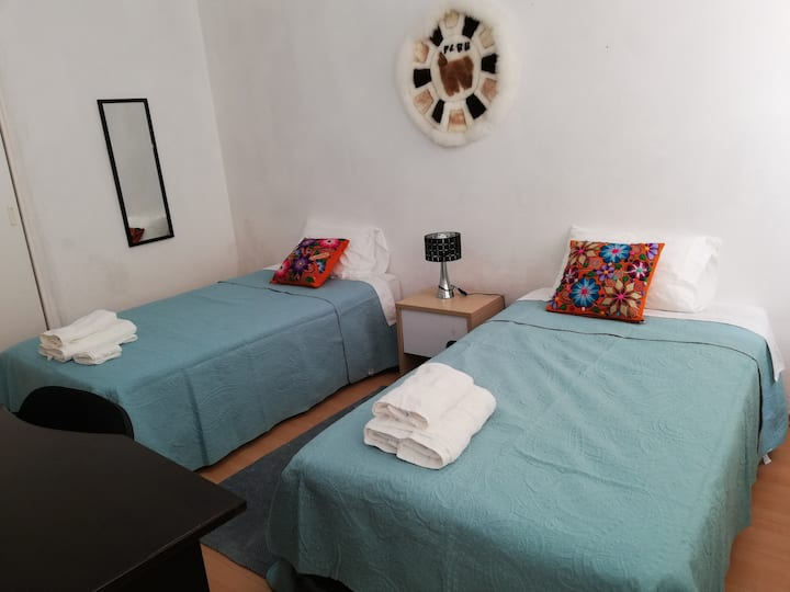 Cozy bedroom w/TV near to Miraflores centrum