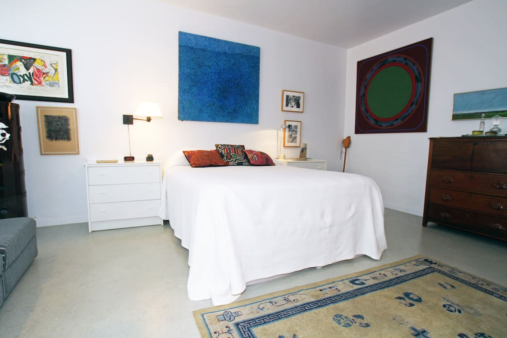 Guest Bedroom with private bath TV and WiFi
