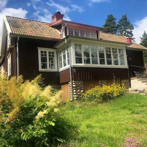 Villa Klippan by Lake Mjörn
