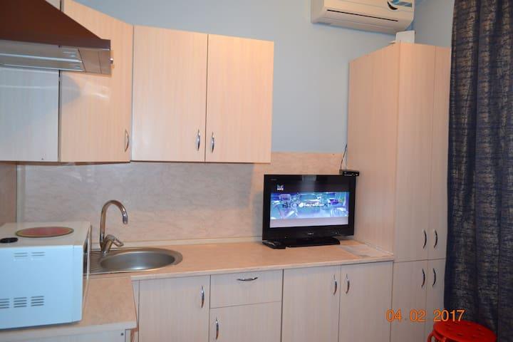 Компактная чистая квартирка с WI-FI - Ростов-на-Дону - Apartamento