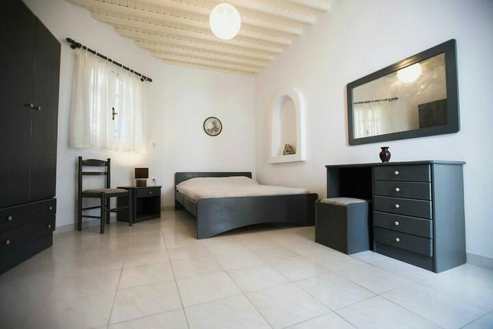 Mykonos, Cozy Tagoo Area Apartment