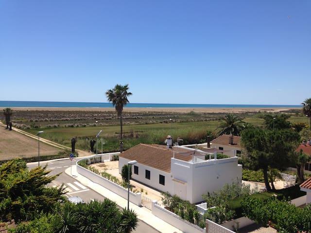 Casa en primera línea de mar en el Parque Natural