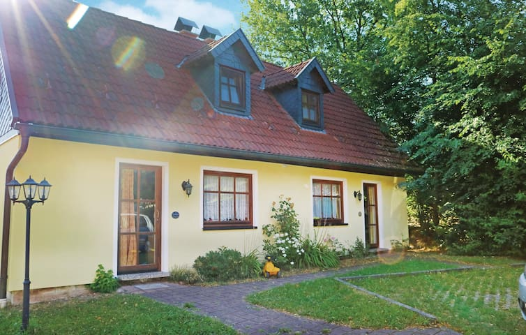 Semi-Detached with 2 bedrooms on 50 m² in Mitwitz