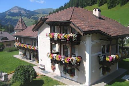 Gemütliches Apartment in Wolkenstein - Wolkenstein in Gröden - Lägenhet