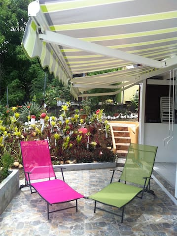 2 bedrooms, an exotic garden, 5 min from the sea - Sainte-Luce - Apartment