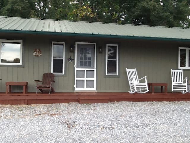 2br 1ba cabin on creeper trail - Abingdon - Casa